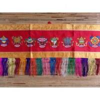 Bannière tibétaine Astamangala fond rouge