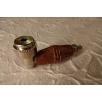 Pipe bois marron et métal