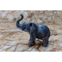 Petit éléphant argenté