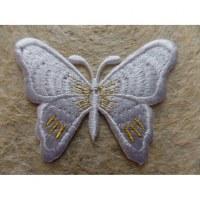 Ecusson blanc papillon