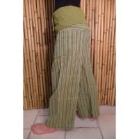 Pantalon Thaï vert à rayures