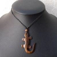 Collier salamandre en bois