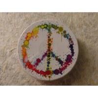 Petite boite ronde clic clac peace & love