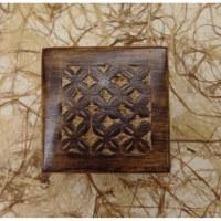 Coffret en bois motifs floraux